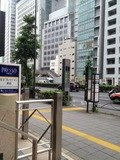 ホテルの前にバス停あり!