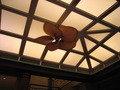 天井にファン