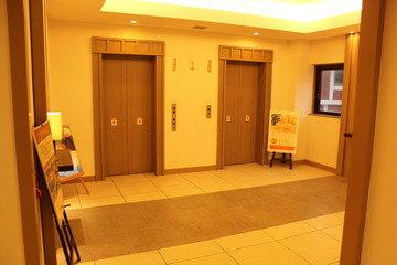 タワー館1Fエレベーター