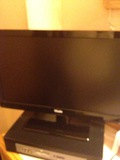 部屋内のテレビ