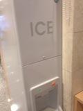 フロント近くの製氷機