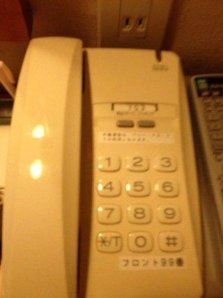 部屋内の電話