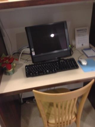 フロント近くにあったパソコン