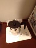 部屋内の湯沸しポット