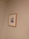 部屋内の絵画