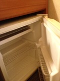 部屋内の冷蔵庫