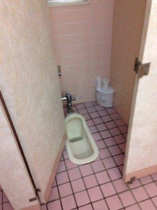 1階トイレ便器