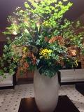 ロビーにある大きな飾り花
