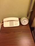 電話と目覚まし時計
