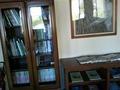 5Fのロビーラウンジの本棚