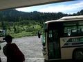 ホテル玄関に高原バスが来てくれる