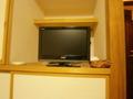 テレビは大き目