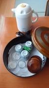 ポットと湯呑とグラス