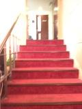 朝食会場へ向かう階段です。