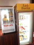 ホテル1F に飲料も充実しておりますので、コンビニまで行く必要はないですね。