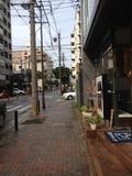 ホテルを出て右側の写真になります。 1Fレストランあります。