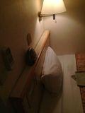 ベッド 頭の部分です。