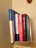 本棚にが本がありました。
