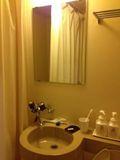 お風呂 窓 水場 写真です。
