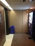 エレベーター前に自販機もあります。