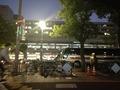 セントラーザの横は博多駅です。