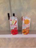 アップルジュース、オレンジジュース です。