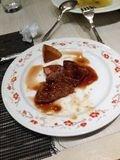 シェフが焼いてくれるステーキも最高です!