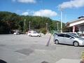 本館前の駐車場