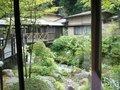 渓流の上の渡り廊下