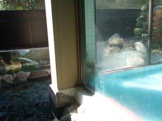 露天風呂と内湯