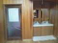 平安風呂出入り口と洗面台