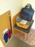 スリッパ、部屋着、お風呂バッグ、荷物置き場