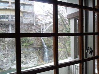 「牧水の湯」露天風呂入口からの眺め