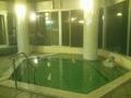 夜の「夢殿」露天風呂の内湯