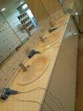 「曳山の湯」脱衣場の洗面台