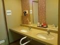 露天風呂の脱衣場の洗面台
