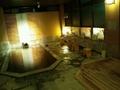 夜の「岩根の湯」の洗い場