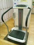 脱衣場のトレーニングマシン