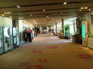 1階エレベーターホール前