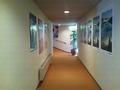 露天風呂付き小浴場の入口側から見た廊下