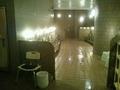 手前の大浴場の洗い場