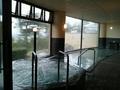 奥の大浴場の内湯