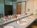 「日向の湯」脱衣場の洗面台