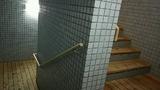 大浴場からプールへの階段