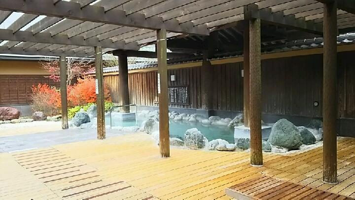 「ふじやま温泉」露天風呂