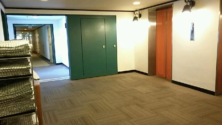 メイン館4階エレベーターホール