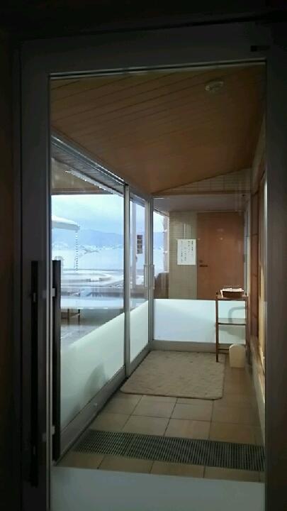 「湖眺の湯」浴室入口