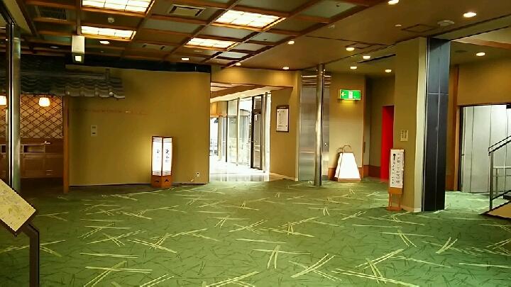 瑞光楼2階エレベーターホール