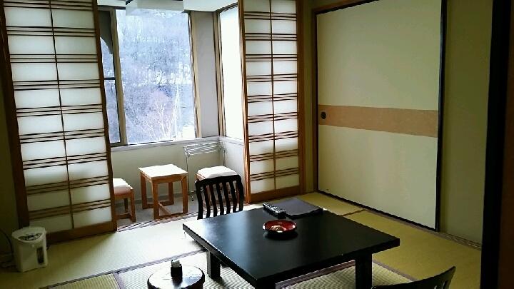 瑞雲楼、8畳和室