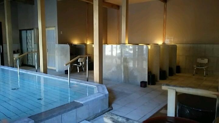 蛍あかりの湯の洗い場